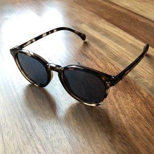 Like new Le Specs Bandwagon Sunglasses Tortoise